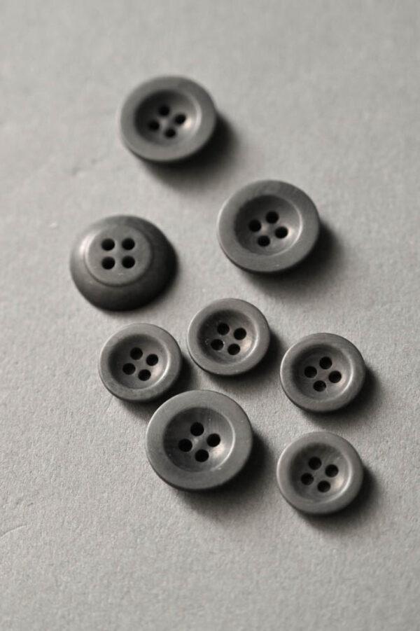 Merchant and Mills, grey corozo 18 mm