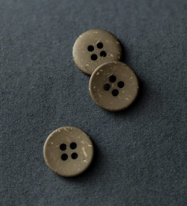 Merchant-and-Mills-Olive-Speckles-18mm